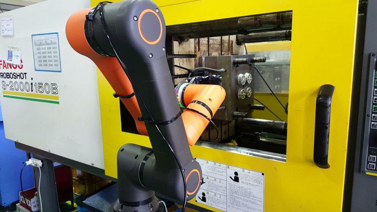 robotyzacja wtryskarki
