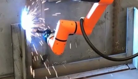 robot spawający