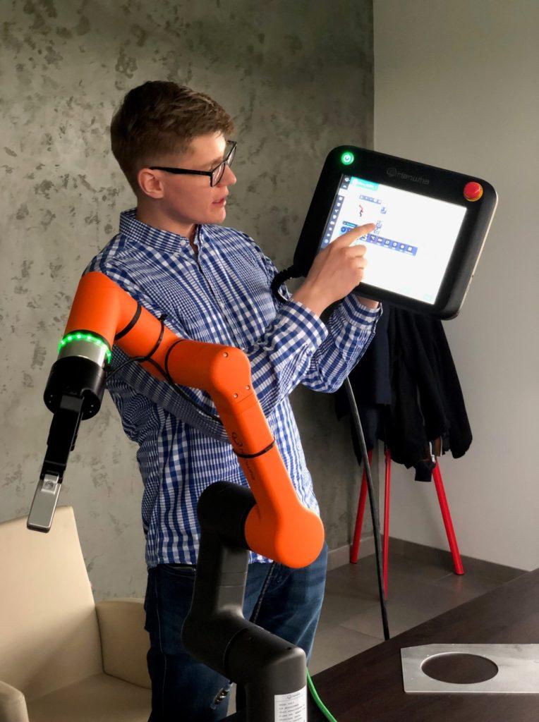Szkolenia z programowania robotów HCR