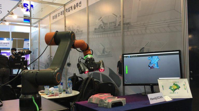 Testy i kontrola robotem HCR