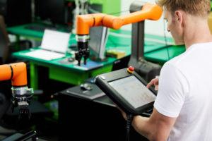 robotyzacja produkcji a bariery rozwojowe